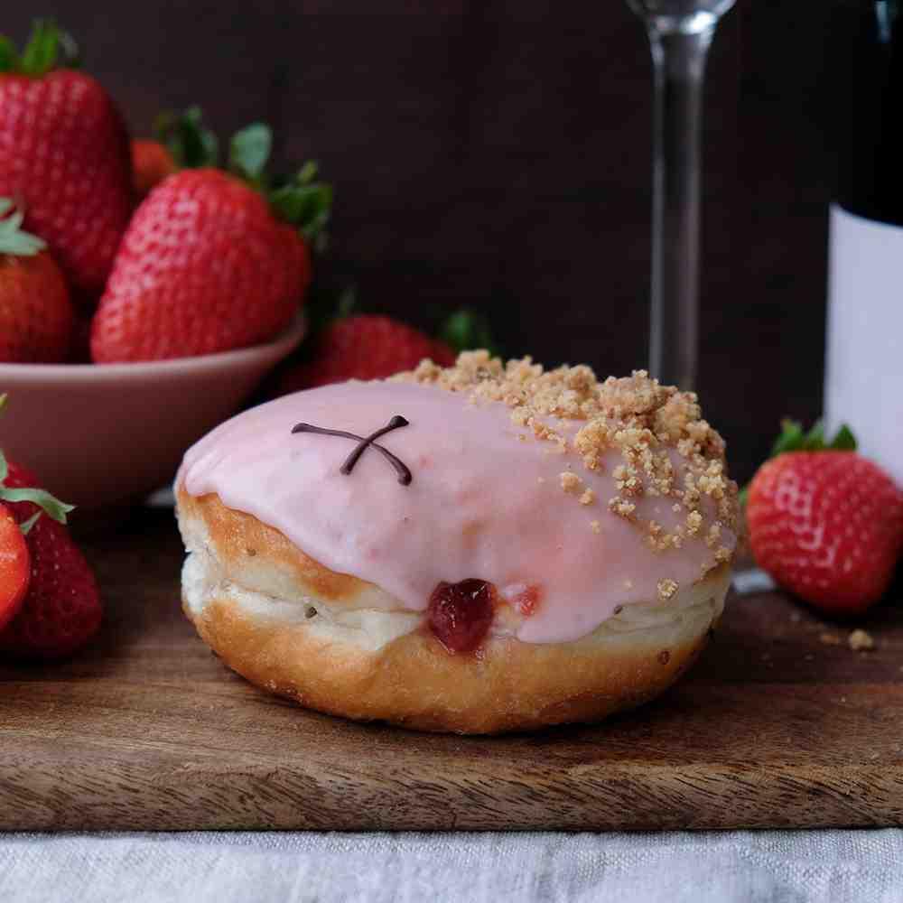 Vegan Strawbery & English Sparkling Rosé 3