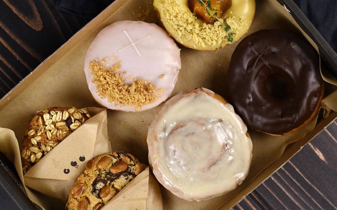 Doughnuts & Cookies Selection Box (ve)