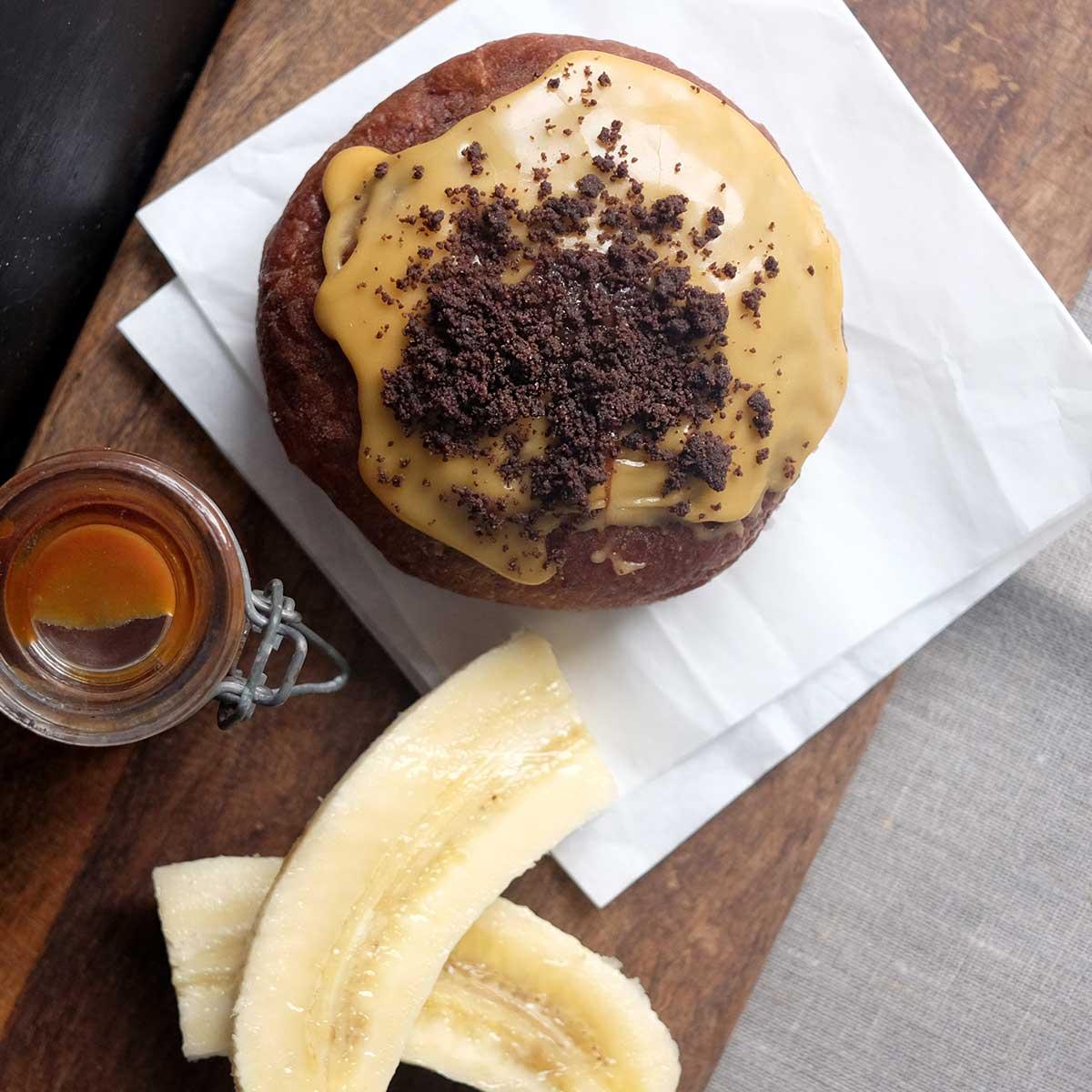 Doughnuts_Banana_01