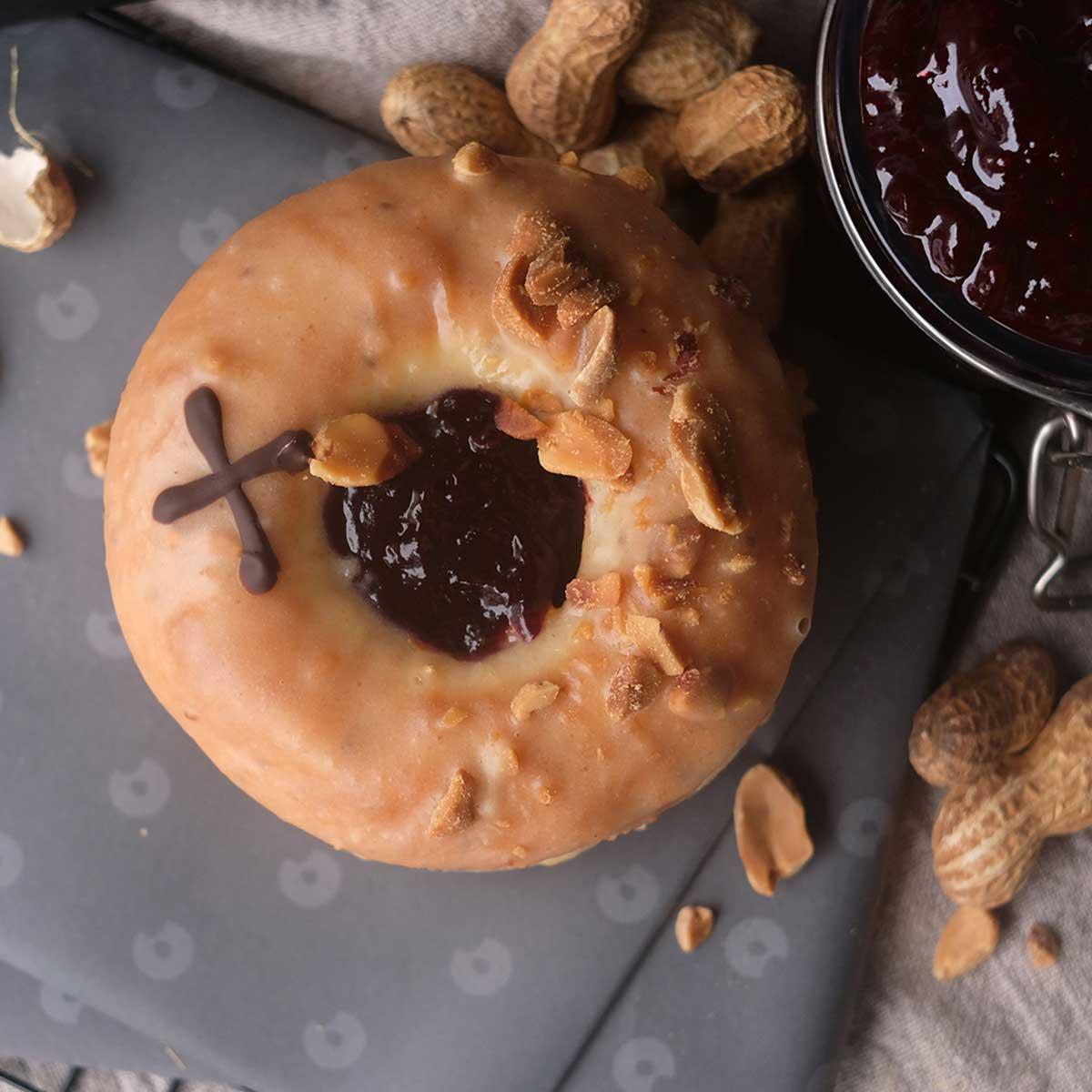 Doughnuts_V_PBJ_01
