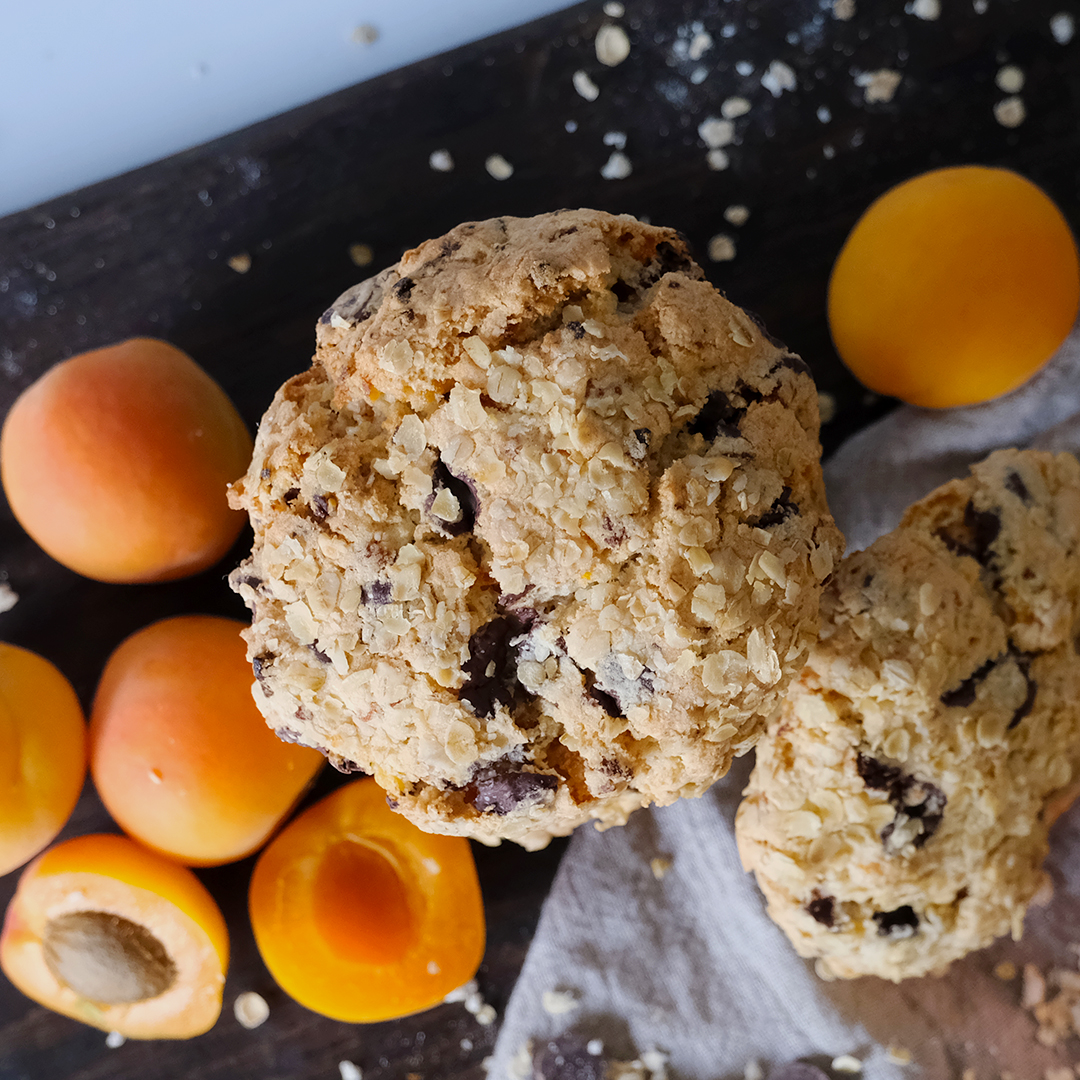Vegan Crosstown Apricot & Chocolate Cookie
